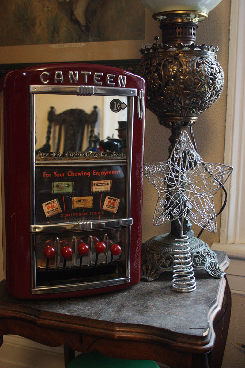 "Wrigley's Gum ""Canteen"" Penny Machine"